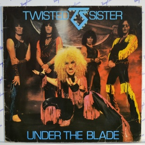Twisted Sister ‎